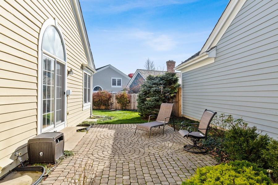 Real Estate Photography - 534 Park Barrington Way, Barrington, IL, 60010 - Patio