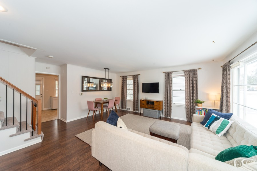 Real Estate Photography - 761 S Washington, Elmhurst, IL, 60126 - Living Room