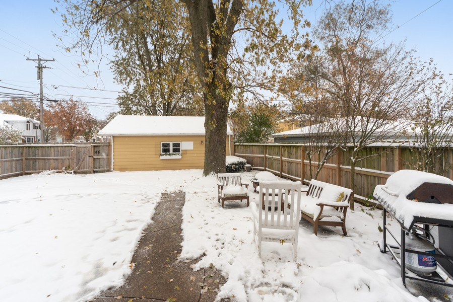 Real Estate Photography - 761 S Washington, Elmhurst, IL, 60126 - Back Yard