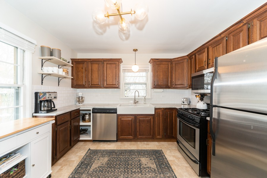 Real Estate Photography - 761 S Washington, Elmhurst, IL, 60126 - Kitchen