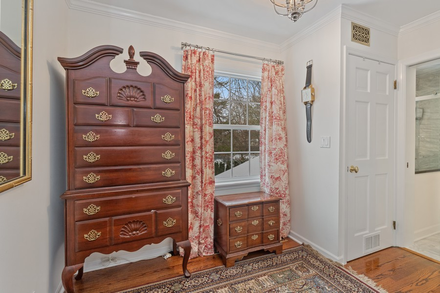 Real Estate Photography - 310 Green Bay Road, Lake Bluff, IL, 60044 - Sitting/Dressing Room