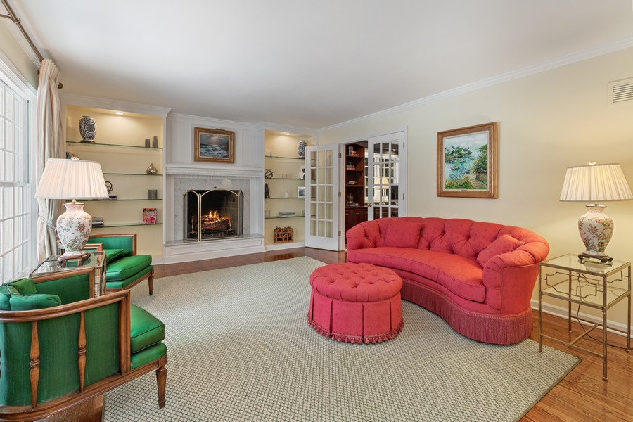 Real Estate Photography - 310 Green Bay Road, Lake Bluff, IL, 60044 - Living Room