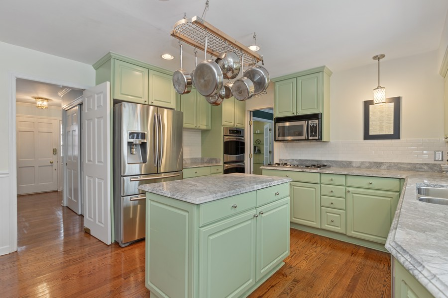 Real Estate Photography - 310 Green Bay Road, Lake Bluff, IL, 60044 - Kitchen