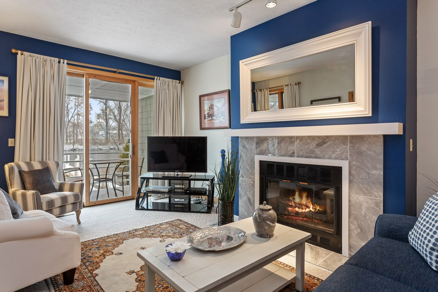 Real Estate Photography - 501 N Whittaker St, Unit 22, New Buffalo, MI, 49117 - Living Room