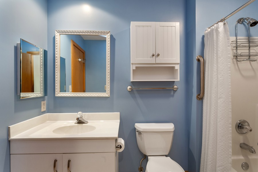 Real Estate Photography - 501 N Whittaker St, Unit 22, New Buffalo, MI, 49117 - Guest Bathroom