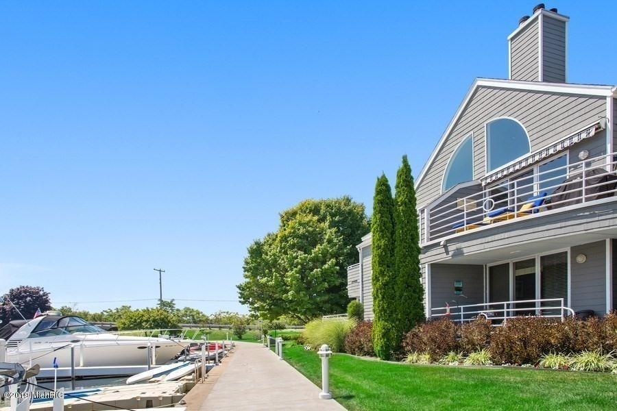 Real Estate Photography - 501 N Whittaker St, Unit 22, New Buffalo, MI, 49117 -