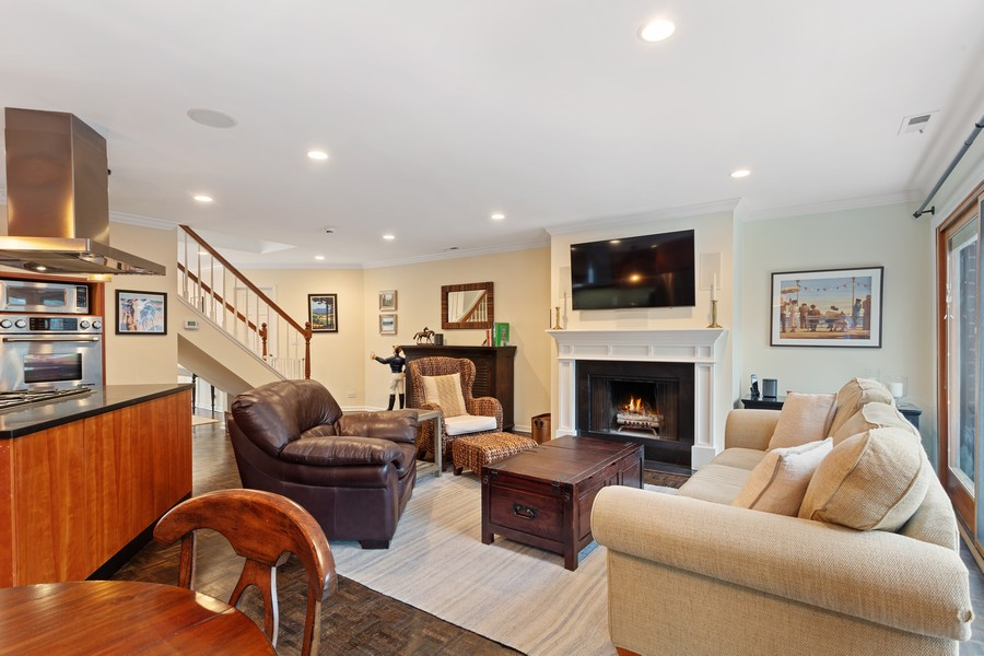 Real Estate Photography - 2736 N Hampden Court, 201, Chicago, IL, 60614 -