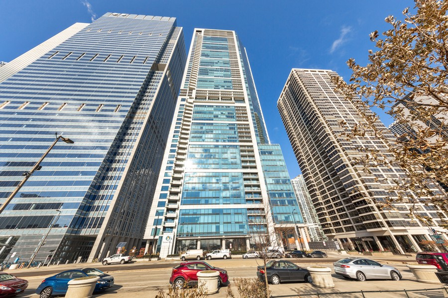 Real Estate Photography - 340 E Randolph St, Unit 2706, Chicago, IL, 60601 - Front View