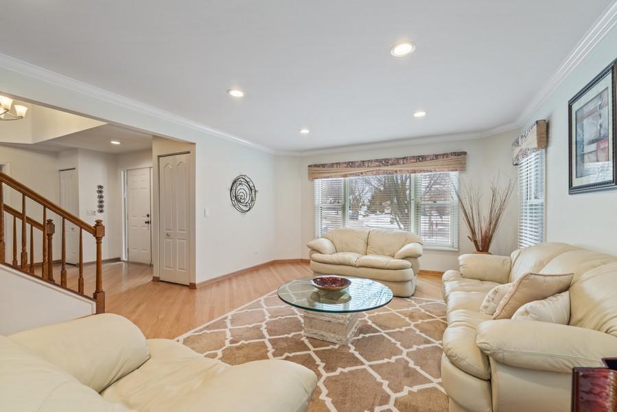Real Estate Photography - 2775 Sandalwood Ct, Buffalo Grove, IL, 60089 - Living Room