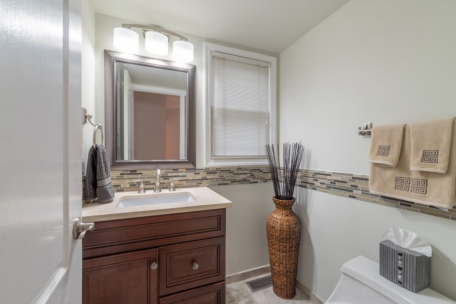 Real Estate Photography - 2775 Sandalwood Ct, Buffalo Grove, IL, 60089 - Powder Room