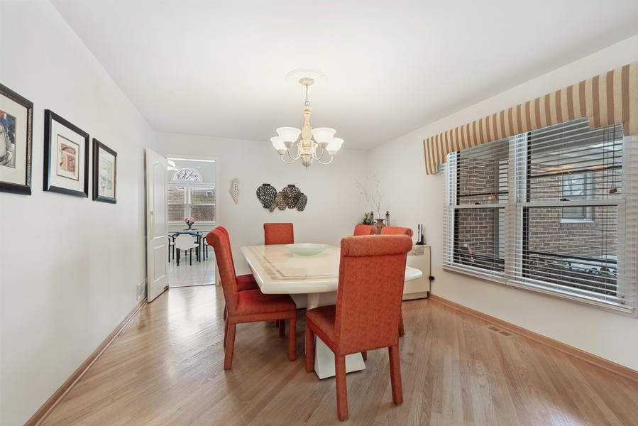 Real Estate Photography - 2775 Sandalwood Ct, Buffalo Grove, IL, 60089 - Dining Room