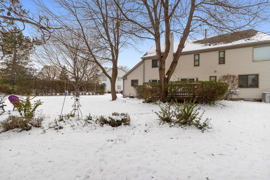 Real Estate Photography - 2775 Sandalwood Ct, Buffalo Grove, IL, 60089 - Back Yard