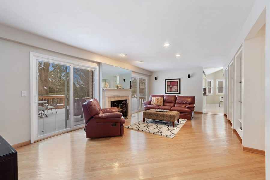 Real Estate Photography - 2775 Sandalwood Ct, Buffalo Grove, IL, 60089 - Family Room