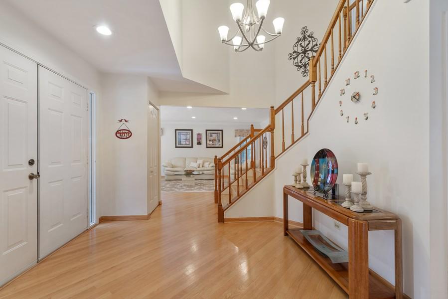 Real Estate Photography - 2775 Sandalwood Ct, Buffalo Grove, IL, 60089 - Foyer