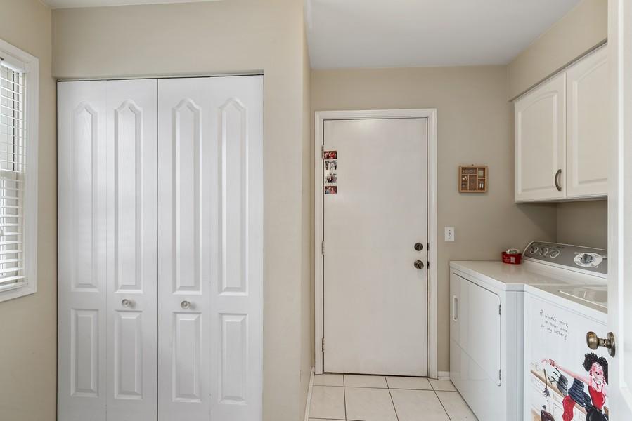 Real Estate Photography - 2775 Sandalwood Ct, Buffalo Grove, IL, 60089 - Laundry Room