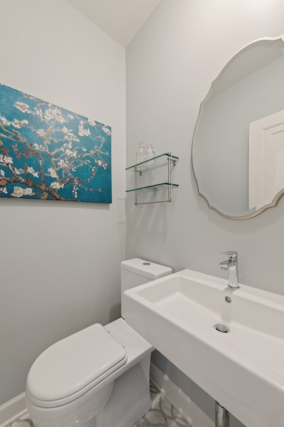 Real Estate Photography - 994 Vernon Ave, Glencoe, IL, 60022 - Half Bath