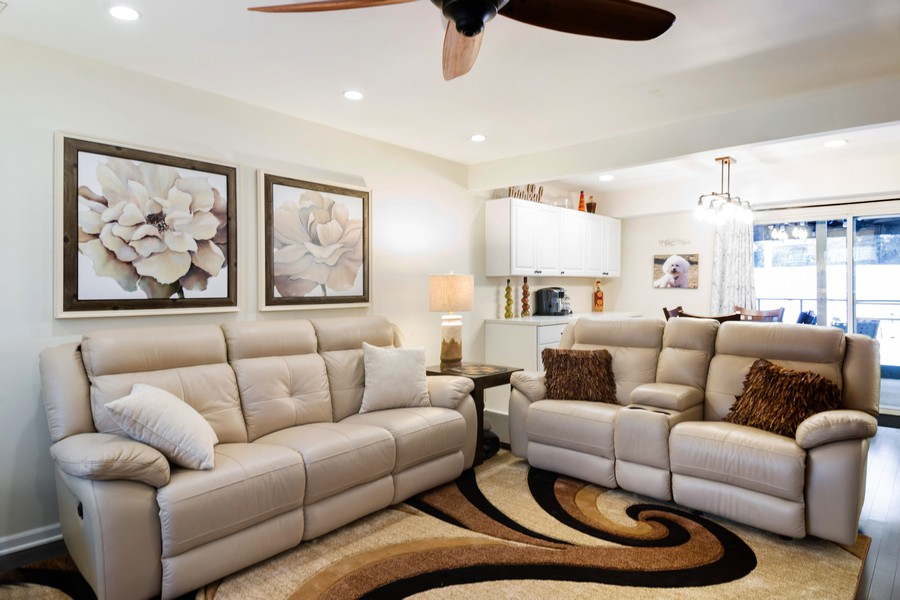 Real Estate Photography - 54 Pine Circle, Cary, IL, 60013 - Living Room