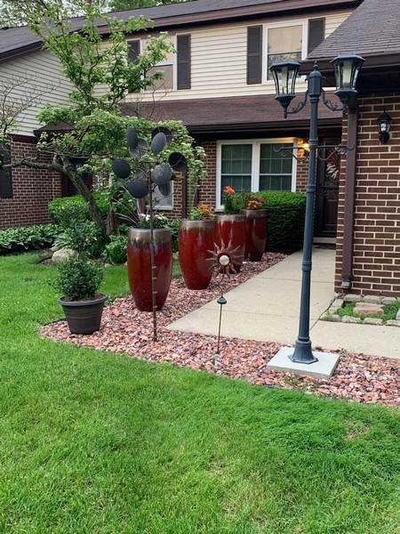 Real Estate Photography - 54 Pine Circle, Cary, IL, 60013 -