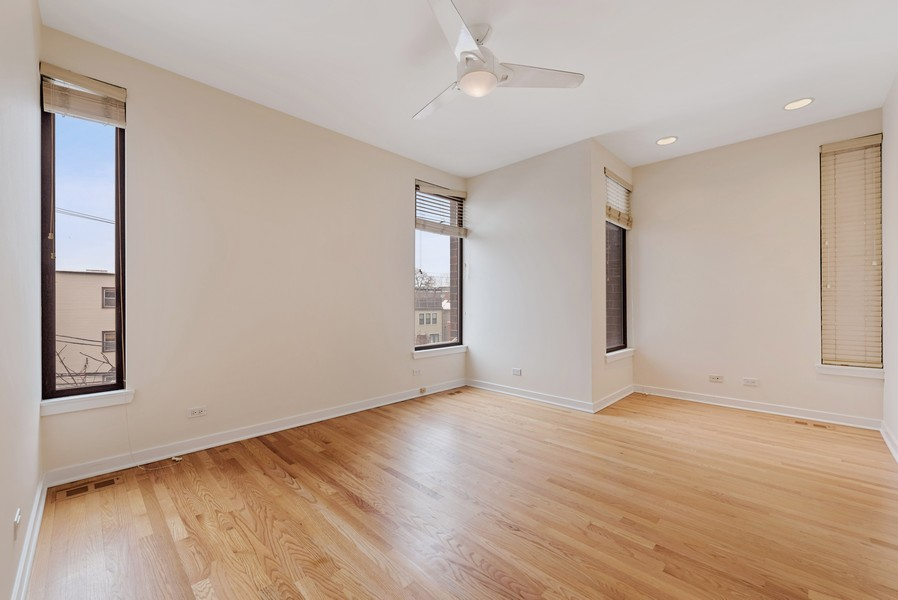 Real Estate Photography - 4003 N Wolcott Ave, Unit D, Chicago, IL, 60613 - Master Bedroom