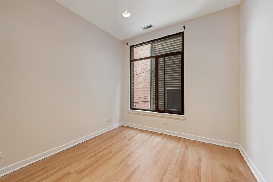 Real Estate Photography - 4003 N Wolcott Ave, Unit D, Chicago, IL, 60613 - 3rd Bedroom
