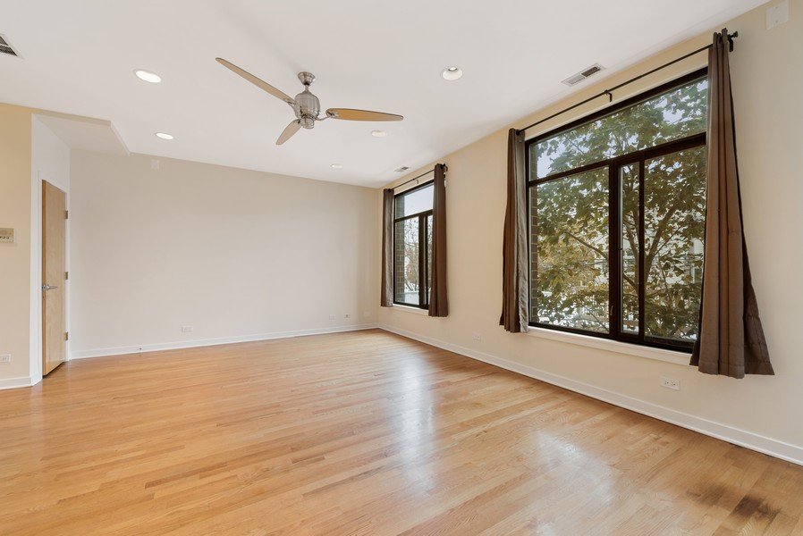 Real Estate Photography - 4003 N Wolcott Ave, Unit D, Chicago, IL, 60613 - Living Room