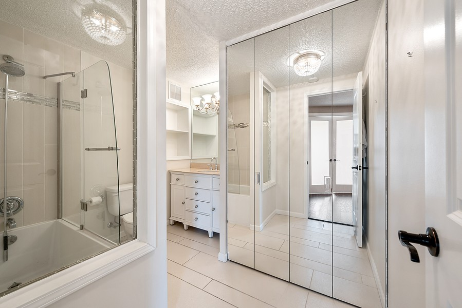 Real Estate Photography - 505 n. lake shore drive, 1802, chicago, IL, 60611 - Bathroom