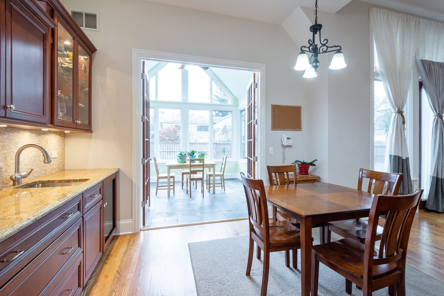 Real Estate Photography - 314 N Dryden Pl, Arlington Heights, IL, 60004 - Breakfast Area