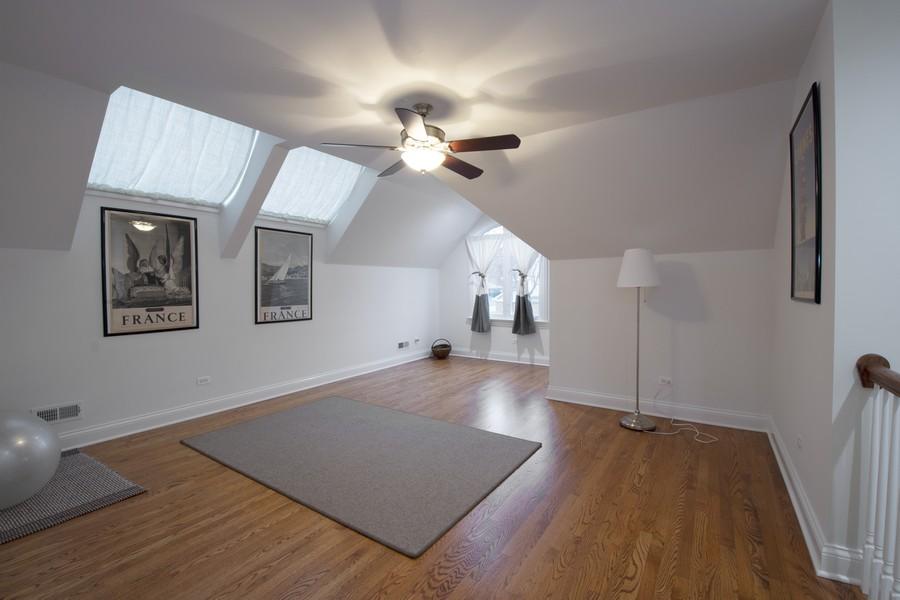 Real Estate Photography - 314 N Dryden Pl, Arlington Heights, IL, 60004 - Loft