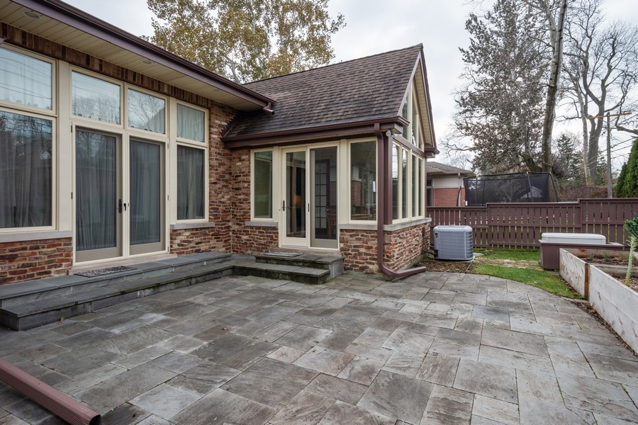 Real Estate Photography - 314 N Dryden Pl, Arlington Heights, IL, 60004 - Patio