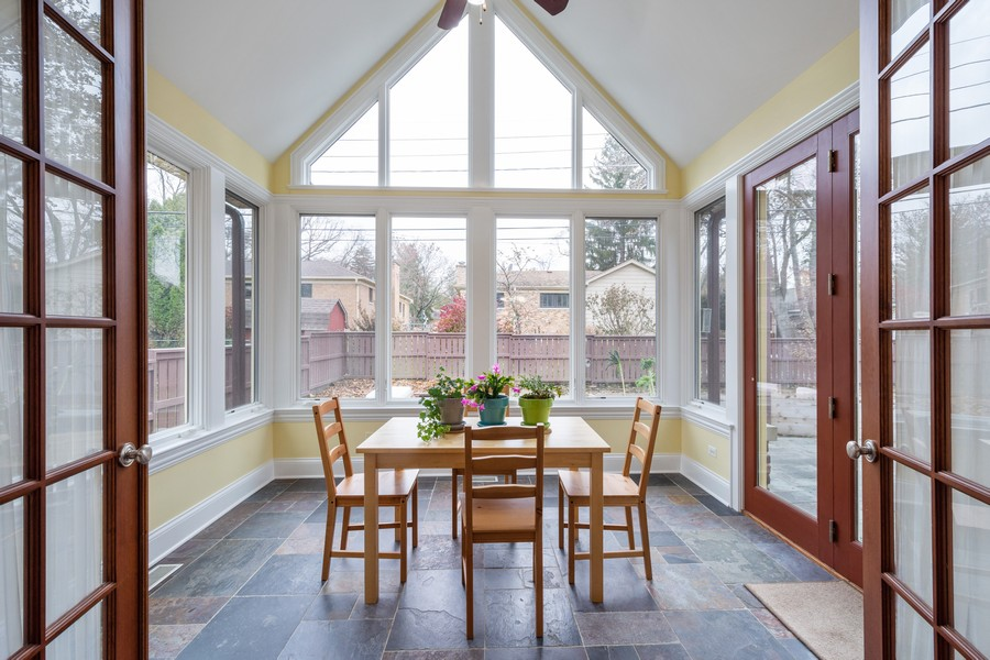 Real Estate Photography - 314 N Dryden Pl, Arlington Heights, IL, 60004 - Sunroom