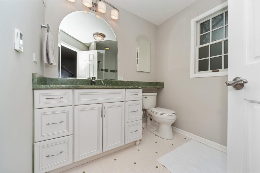 Real Estate Photography - 82 lincolnshire drive, lincolnshire, IL, 60069 - Master Bathroom