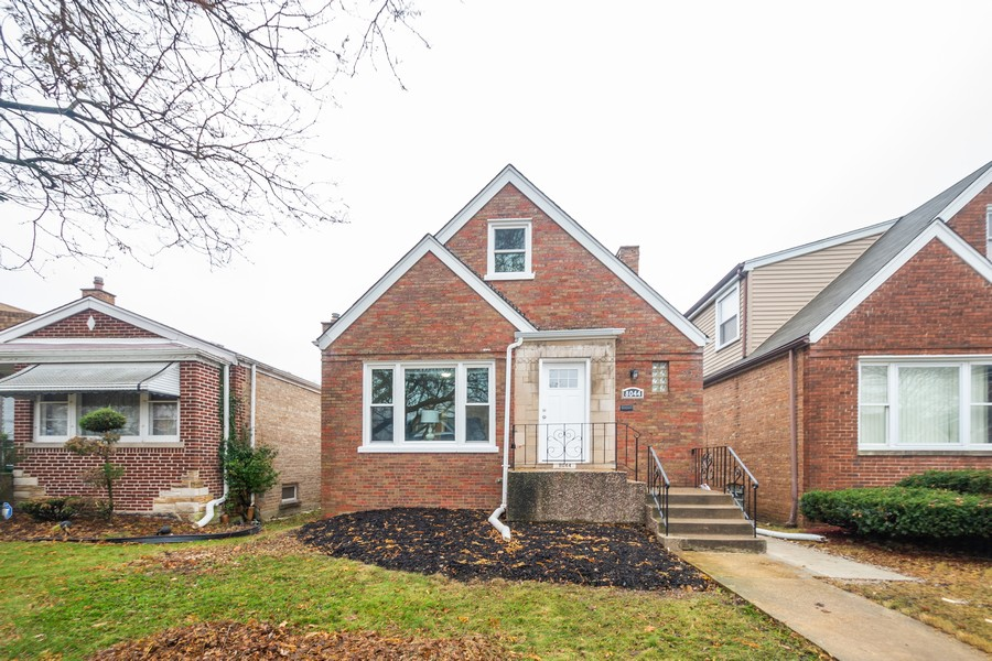 Real Estate Photography - 8044 S Fransisco, Chicago, IL, 60652 - Front View