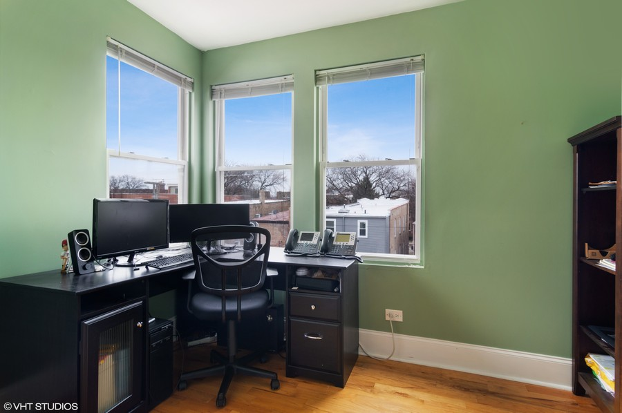 Real Estate Photography - 4922 N. Rockwell, Chicago, IL, 60625 - Office