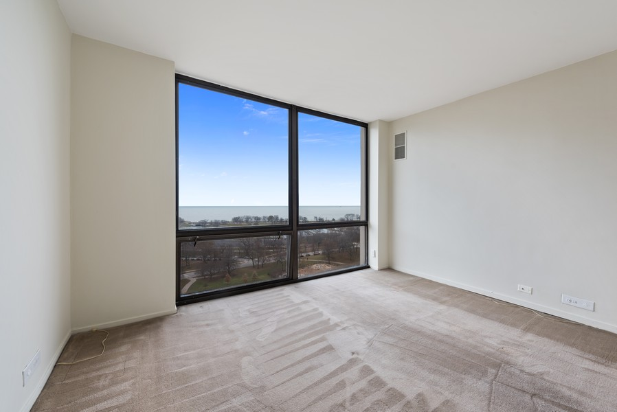 Real Estate Photography - 2650 N Lakeview Ave, Apt 1710, Chicago, IL, 60614 - 2nd Bedroom