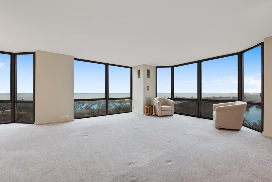 Real Estate Photography - 2650 N Lakeview Ave, Apt 1710, Chicago, IL, 60614 - Living Room