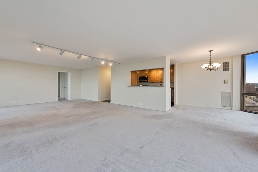 Real Estate Photography - 2650 N Lakeview Ave, Apt 1710, Chicago, IL, 60614 - Living Room / Dining Room
