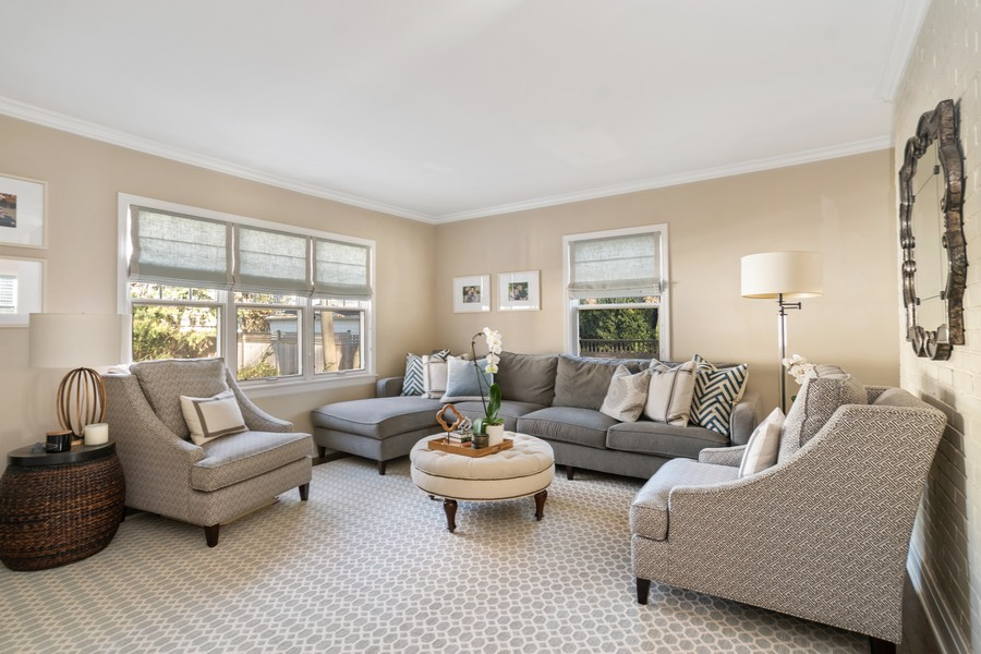 Real Estate Photography - 475 Orchard Lane, Winnetka, IL, 60093 - Family Room