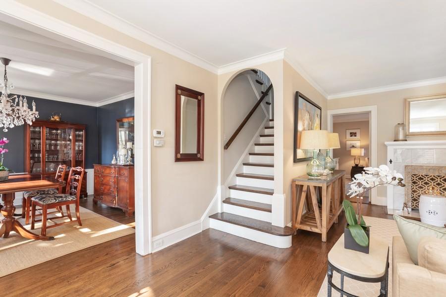Real Estate Photography - 475 Orchard Lane, Winnetka, IL, 60093 - Foyer