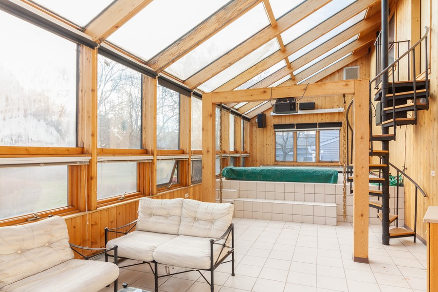 Real Estate Photography - 1565 Almond, Downers Grove, IL, 60515 - Sun Room