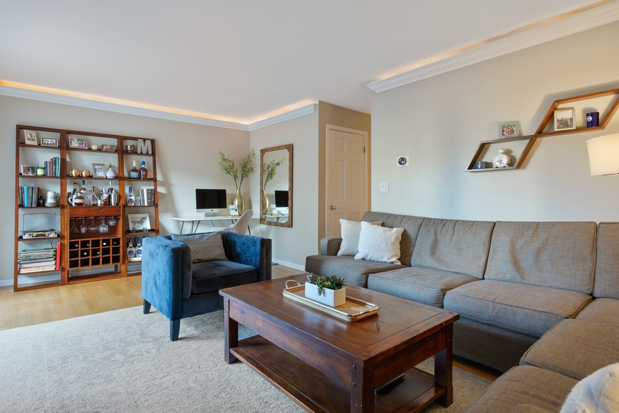 Real Estate Photography - 1330 N. La Salle Dr., 313, Chicago, IL, 60610 -