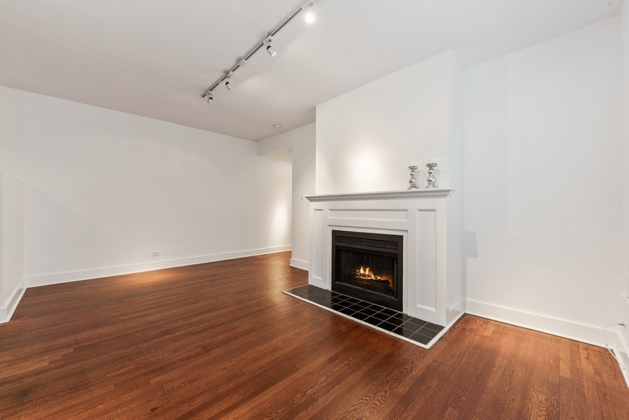 Real Estate Photography - 3723 N Pine Grove #3N, Chicago, IL, 60613 - Family Room