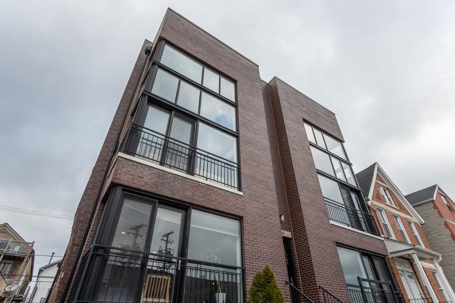 Real Estate Photography - 1644 W Blackhawk #1E, Chicago, IL, 60622 - Front View