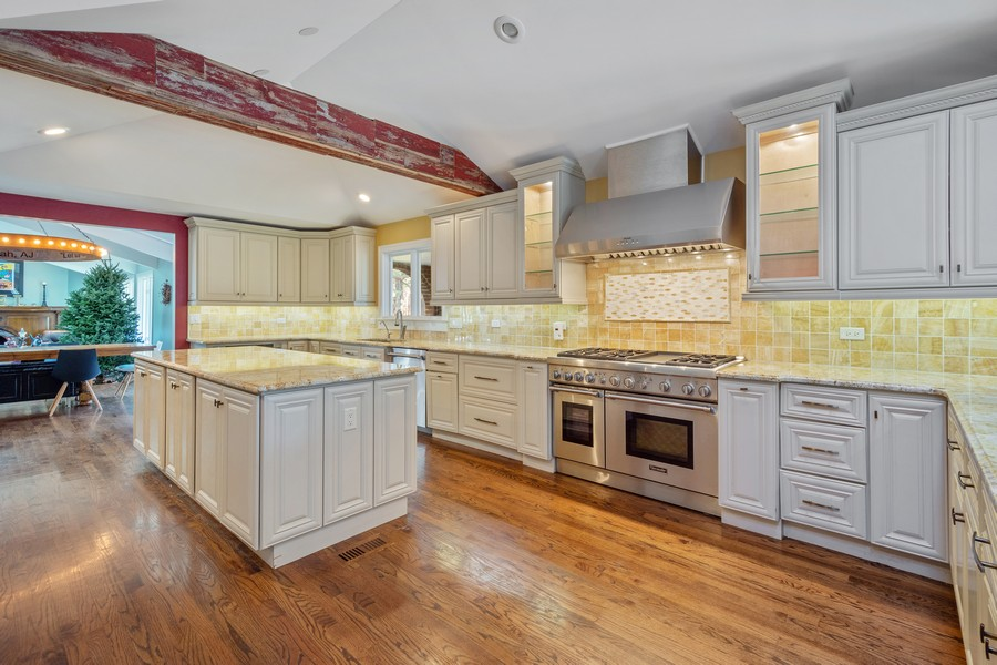Real Estate Photography - 83 Meadow Hill Rd, Barrington Hills, IL, 60010 - Kitchen