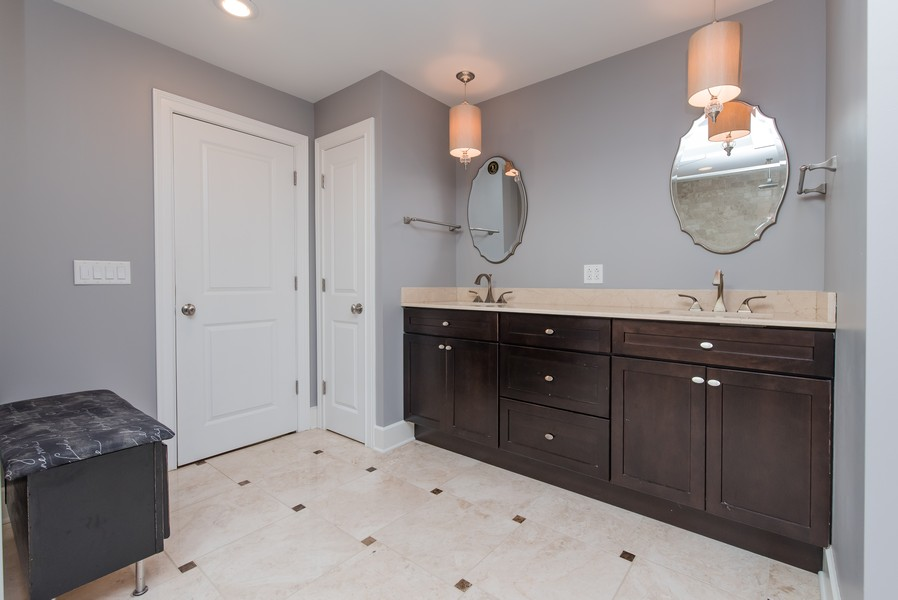Real Estate Photography - 83 Meadow Hill Rd, Barrington Hills, IL, 60010 - Master Bath