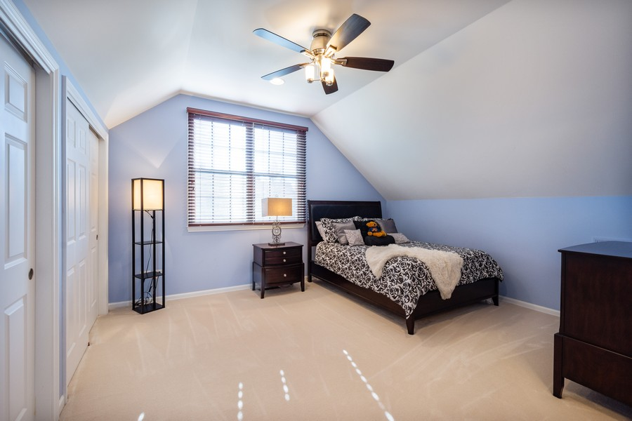 Real Estate Photography - 45 Tournament Dr North, Hawthorn Woods, IL, 60047 - 3rd Bedroom
