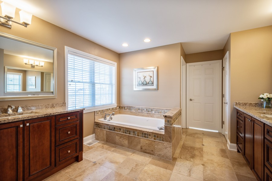 Real Estate Photography - 45 Tournament Dr North, Hawthorn Woods, IL, 60047 - Master Bathroom