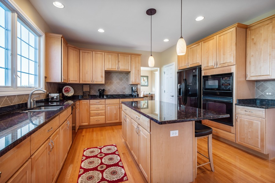 Real Estate Photography - 45 Tournament Dr North, Hawthorn Woods, IL, 60047 - Kitchen