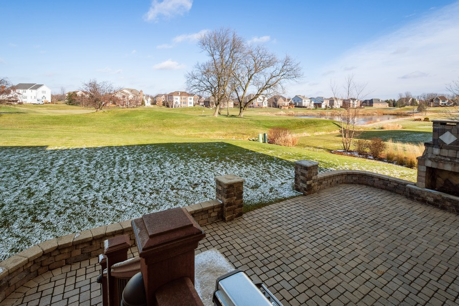 Real Estate Photography - 45 Tournament Dr North, Hawthorn Woods, IL, 60047 - Back Yard