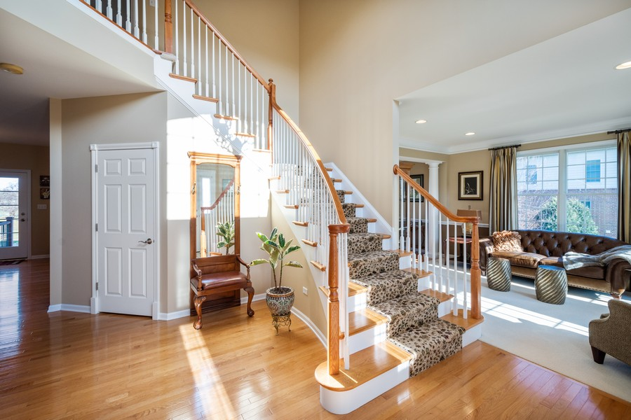 Real Estate Photography - 45 Tournament Dr North, Hawthorn Woods, IL, 60047 - Foyer
