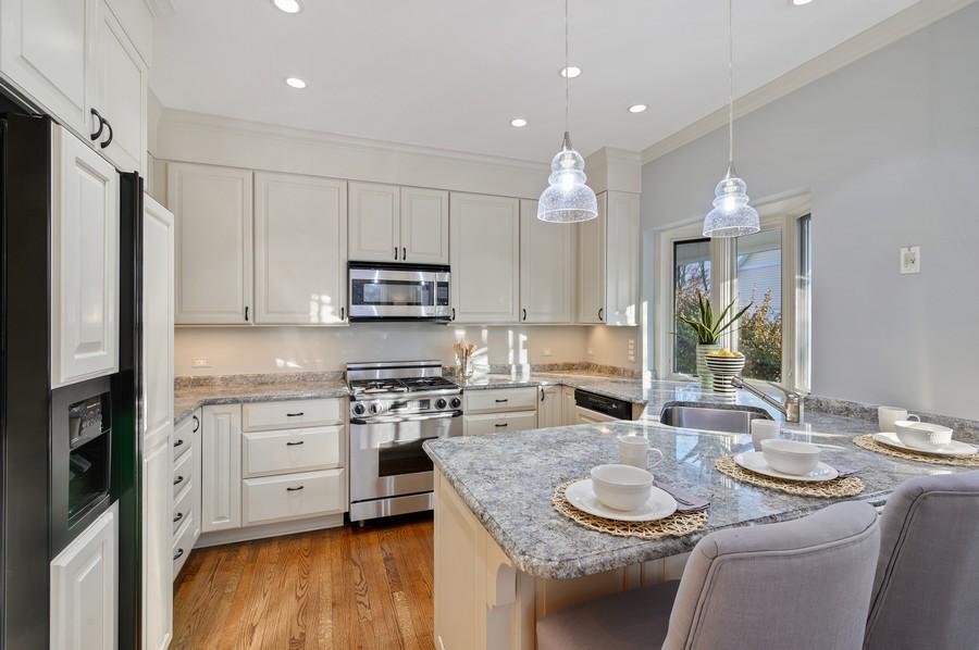 Real Estate Photography - 1033 Illinois Rd, Wilmette, IL, 60091 -